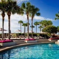 71401242040t Hilton Head 2 200x200 MY TOP 10 BEST SWIMMING POOL RESORTS IN AMERICA
