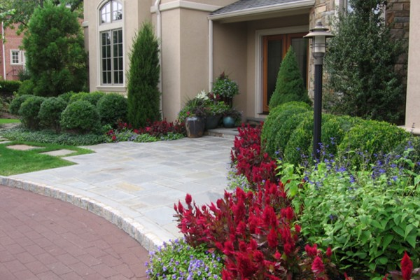 Front entrance curb appeal design landscaping 600x400 Landscaping & Gardens