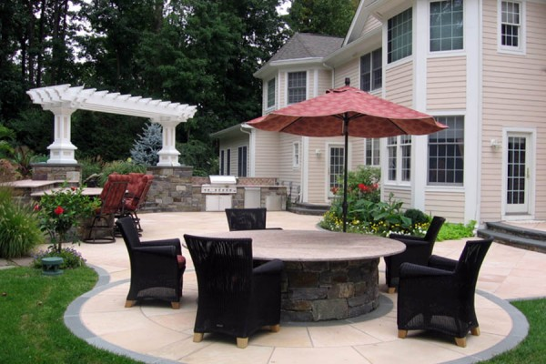 Landscape Architect outdoor entertaining pergola 600x400 Pergolas & Gazebos