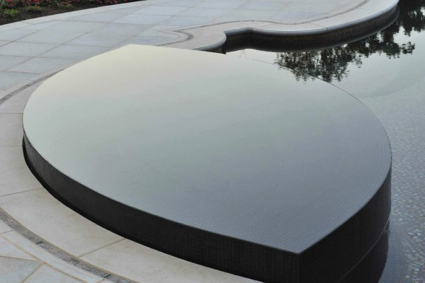 bedford ny award winning perimeter overflow tile swimming pool spa 1 600x400 Award Winning Pools & Landscaping