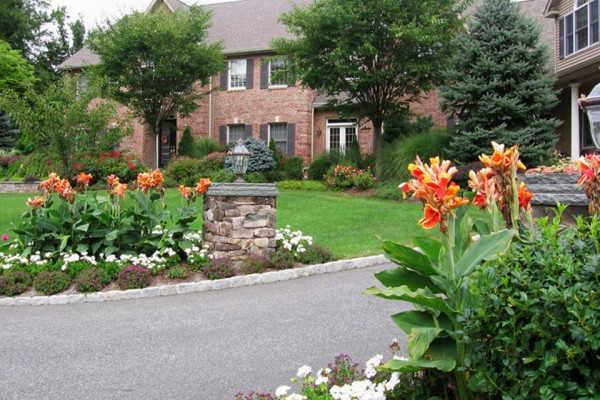 garden curb appeal landscaping 1 600x400 Landscaping & Gardens