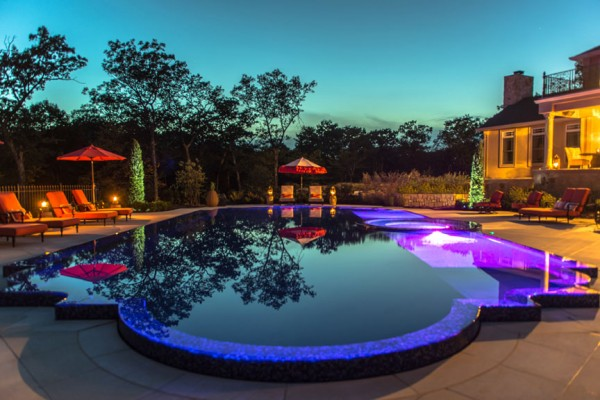 kinnelon nj award winning custom perimeter edge swimming pool 600x400 Award Winning Pools & Landscaping