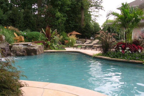 landscaping swimming pool maintenance company 600x400 Estate Management  Pool, Lawn & Garden Maintenance