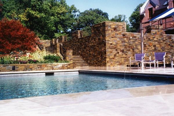 large natural stone masonry walls 600x400 Masonry  Stone Patios & Walls