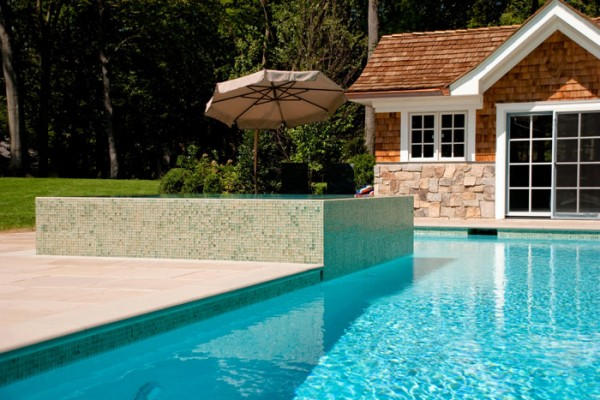 modern raised spa inground swimming pool design and installation 600x400 Pool Design