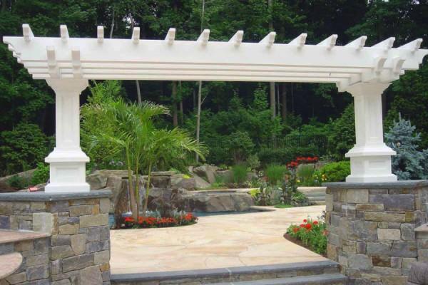 natural stone masonry pier arbor design 600x400 Masonry  Stone Patios & Walls