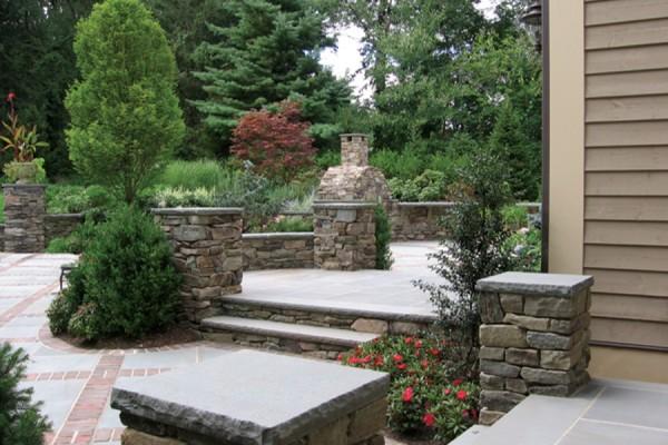 natural stone masonry pier installation 600x400 Masonry  Stone Patios & Walls