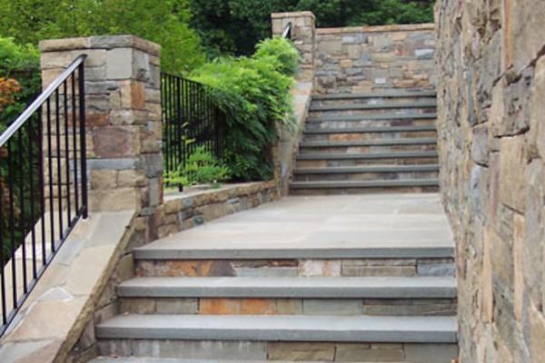 natural stone masonry stairway installation 600x400 Masonry  Stone Patios & Walls