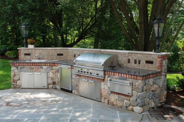 natural stone outdoor ktichen grill nj 600x400 Outdoor Kitchens  Design & Construction