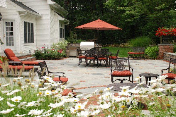 outdoor living room patio design 600x400 Pool & Landscaping Testimonials