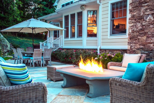 outdoor sitting area with fire feature 600x400 Outdoor Kitchens  Design & Construction