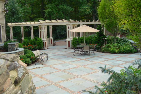 patio design with custom pergola 600x400 Custom Cabana, Pergola & Gazebo Design