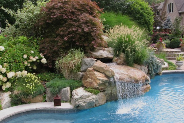 pool rock garden design 600x400 Landscaping & Gardens