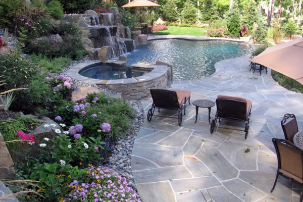 pool spa garden design 600x400 Landscaping & Gardens