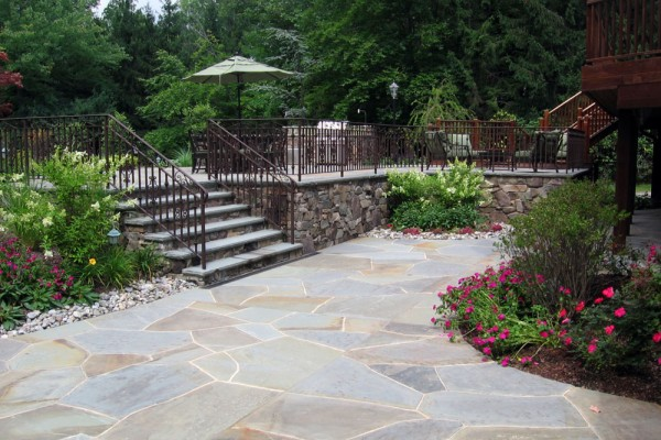 two tier patio retaining wall design walkway 600x400 Masonry  Stone Patios & Walls