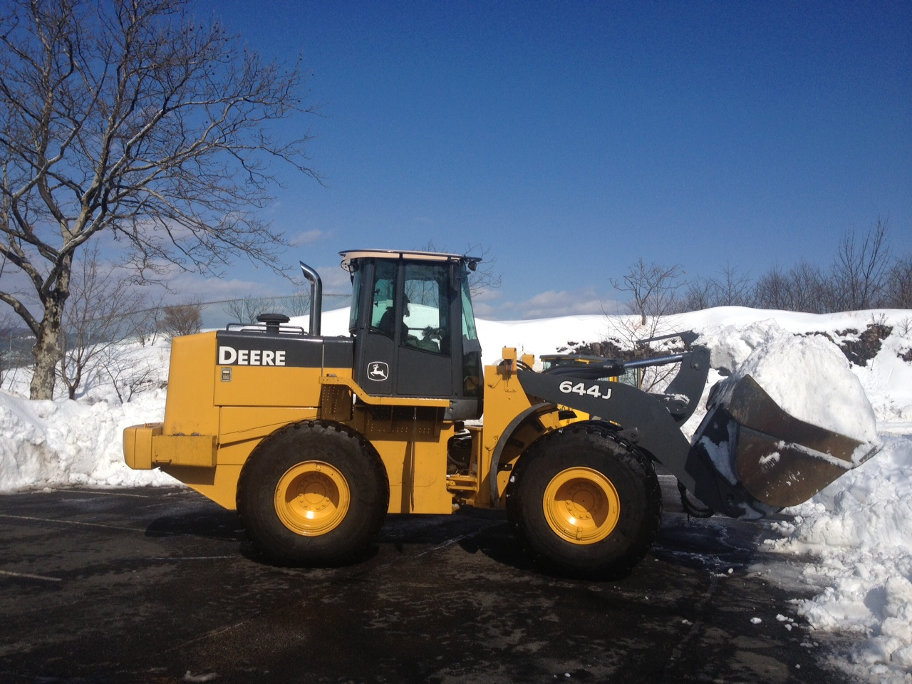 01393001444ndscaping company REDUCING THE RISK OF REFREEZING: NJ PROFESSIONAL SNOW REMOVAL CO.