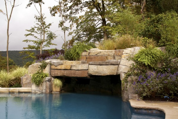 2011 nespa swimming pool awards 3 600x400 Award Winning Pools & Landscaping