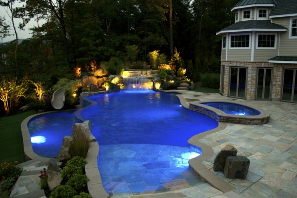 2011 nespa swimming pool awards 8 600x400 Award Winning Pools & Landscaping