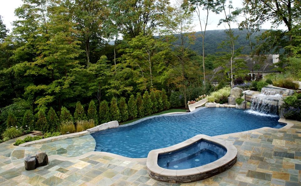 Vanishing Edge Swimming Pool Spa Stone Patio 600x372 Vanishing Edge  Swimming Pool Spa Stone Patio