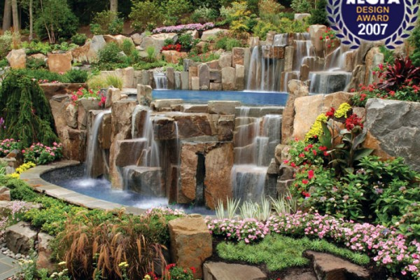 award winning swimming pool 600x400 Award Winning Pools & Landscaping