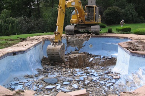 kinnelon nj construction negative edge pool fiber optic renovation 600x400 Kinnelon NJ Fiber Optic Negative Edge Pool