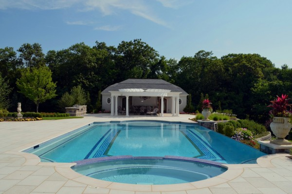 kinnelon nj roman end negative edge swimming pool design 600x400 Kinnelon NJ Fiber Optic Negative Edge Pool