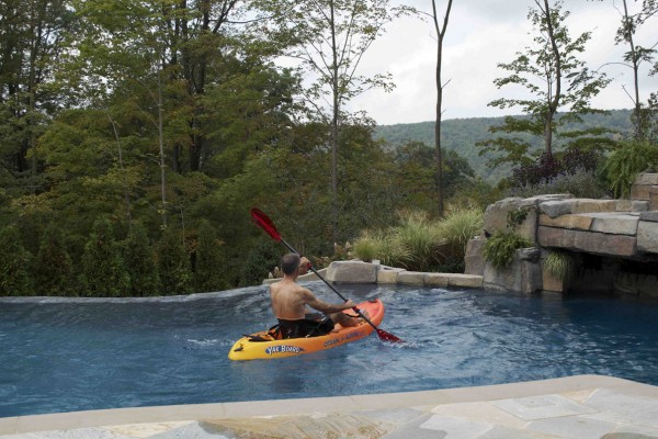 mahwah NJ Vanishing edge swimming pool design 600x400 Vanishing Edge Pool  Mahwah NJ