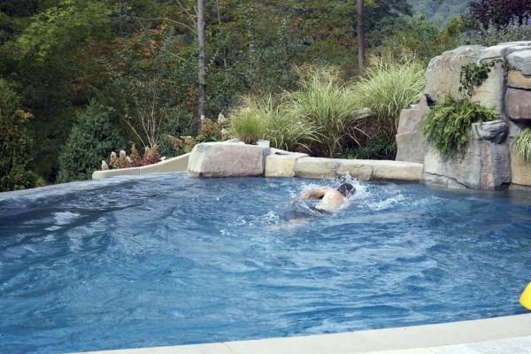 mahwah nj water treadmill vanishing edge swimming pool design installation 600x400 Vanishing Edge Pool  Mahwah NJ