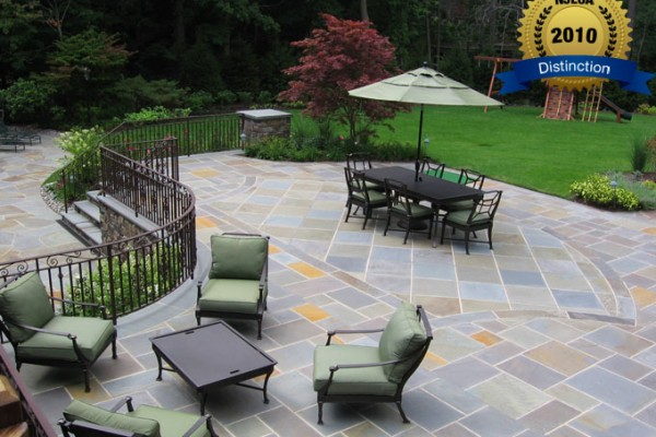 masonry patio masonry wall 600x400 Award Winning Pools & Landscaping