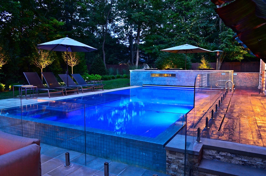 Perimeter overflow outdoor pool design ideas nj cipriano for Outdoor pool decorating ideas