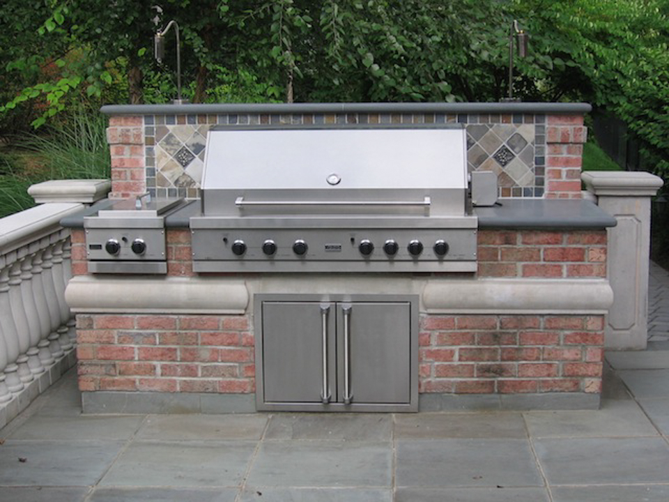 Outdoor kitchen bar design saddle river nj cipriano for Outdoor barbecue grill designs