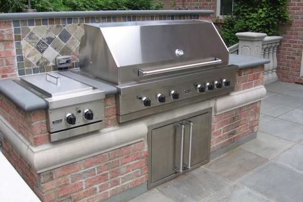 saddle river nj Outdoor grill kitchen bar design 600x400 Outdoor Kitchen & Bar Design Saddle River NJ