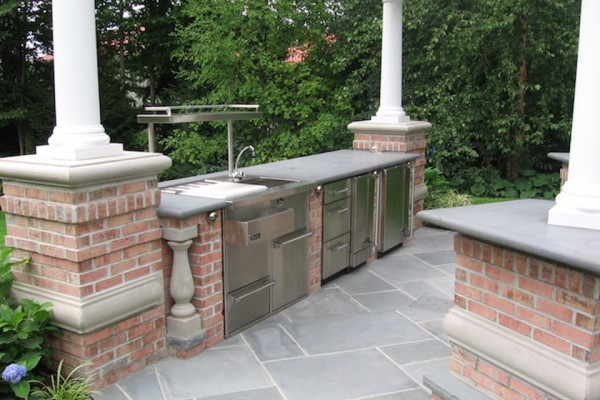 saddle river nj outdoor kitchen bar design w stainless appliances 600x400 Outdoor Kitchen & Bar Design Saddle River NJ