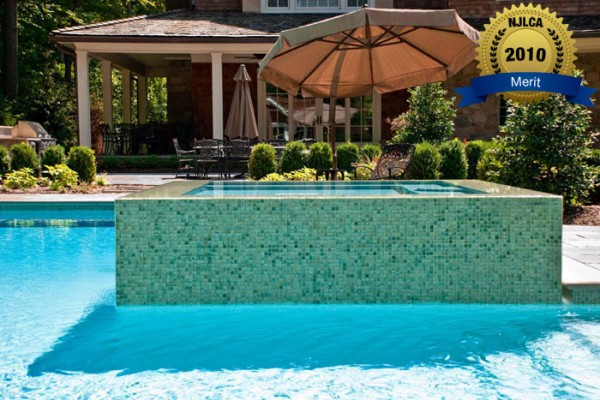 swimming pool company swimming pool and spa 600x400 Award Winning Pools & Landscaping