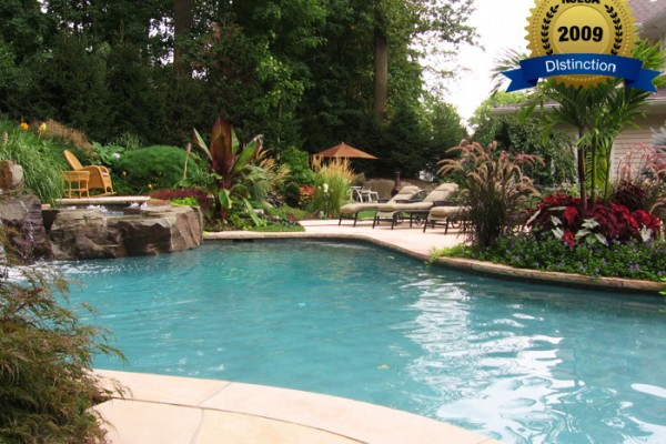 swimming pool landscaping 600x400 Award Winning Pools & Landscaping