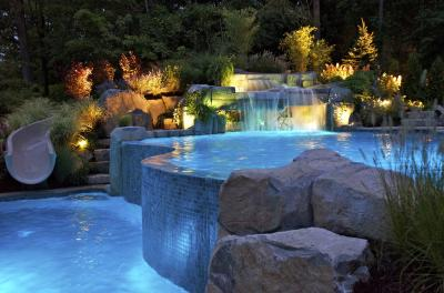 01381253255n county nj vanishing edge swimming pool 2 BERGEN COUNTY NJ   VANISHING EDGE SWIMMING POOLS: EXPERTISE REQUIRED