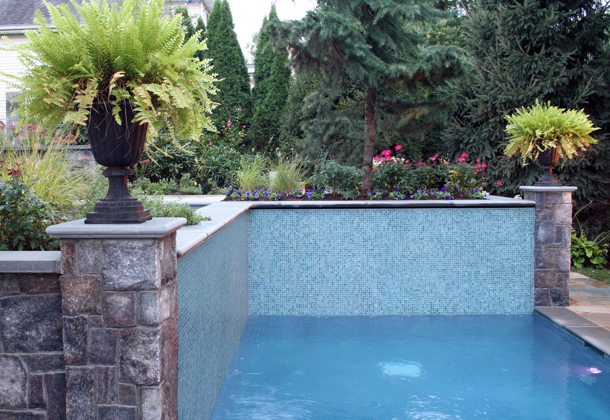 Glass tile swimming pools for Swimming pool wall tiles