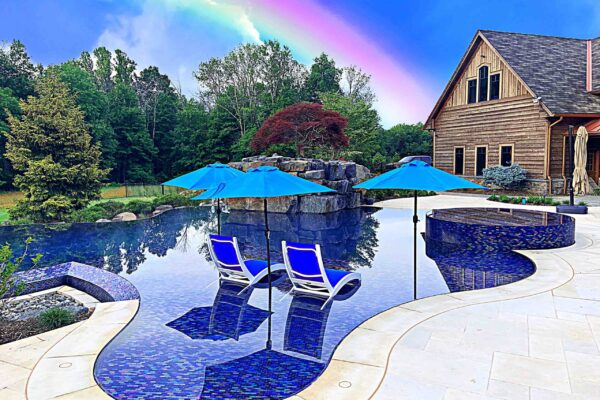 SWIMMING-POOL-PERIMETER-OVERFLOW-WITH-GLASS-TILE-LR